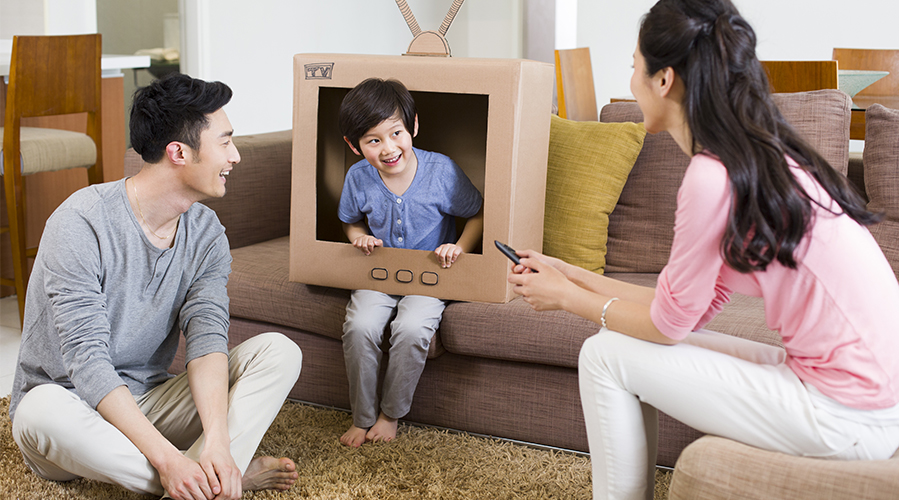 Playing cardboard television game; image used for HSBC loans article - home improvement page.